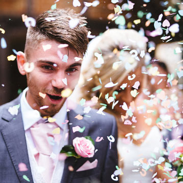 Salón de bodas en Valencia con bodas civiles y entrada novios al salon